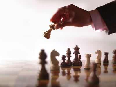 Бизнес, как шахматы. Нужно просчитывать на несколько ходов вперед.