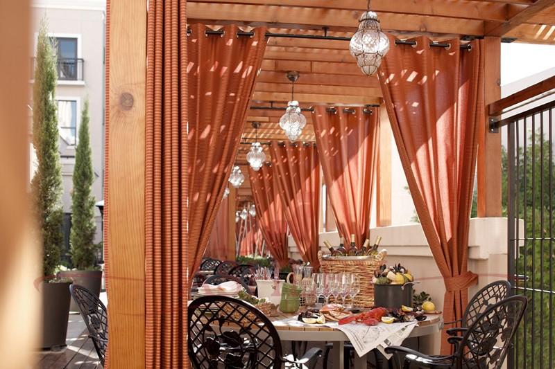 Как подобрать шторы для ресторана