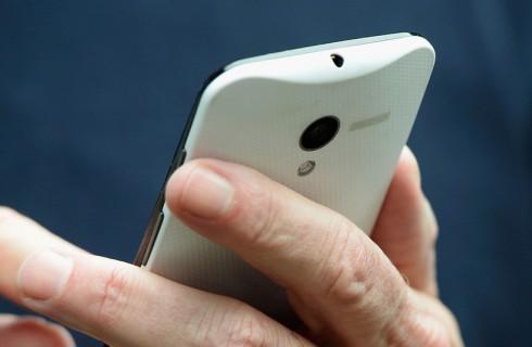 Смартфон Google Moto X: Большие идеи, скромное исполнение