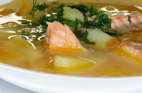 Москвичка сварила суп с болтом
