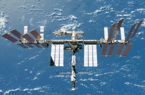 Среднюю высоту полета МКС увеличили на 900 метров