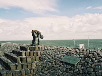 Афслёйтдейк — самая большая дамба в Европе