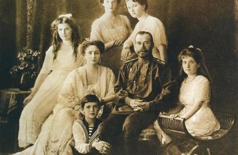 Во время реставрационных работ был найден тайник с портретом царевича Алексея