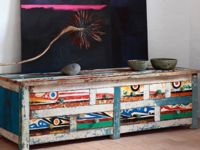Старые лодки превращаются в чудесную мебель