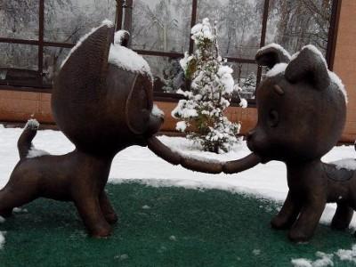 Скульптура дружбы в Новокузнецке