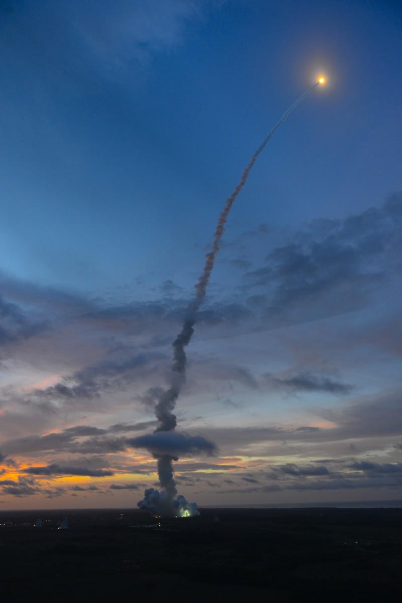 Орбита МКС успешно скорректирована