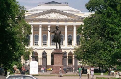 Для Русского музея и РЭМ создадут фондохранилище
