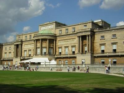 Букингемскому дворцу нужен срочный ремонт