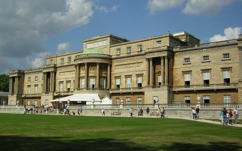 Дворцы британских монархов в ожидание ремонта