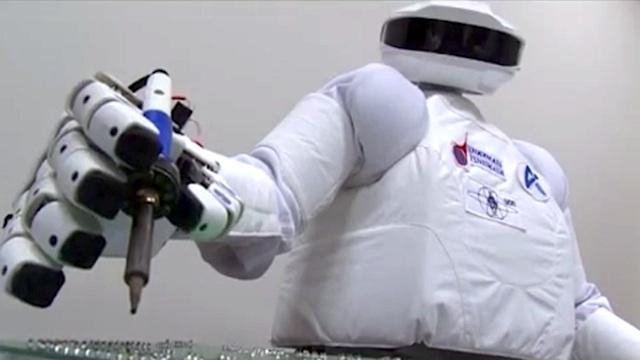 Тест первого космического робота-андроида России