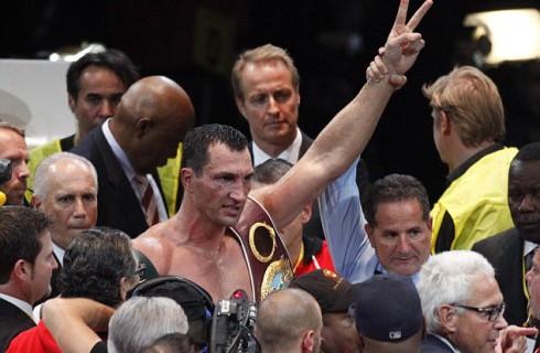Владимир Кличко празднует победу