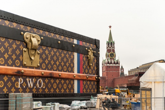 Неопознанный объект уберут с Красной площади