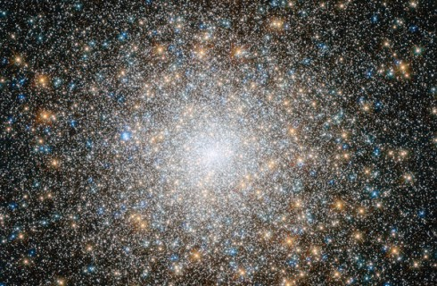 «Хаббл» раскрыл тайну самого древнего шарового скопления