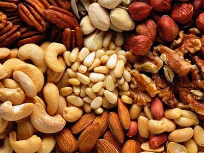Регулярное употребление орехов продлевает жизнь