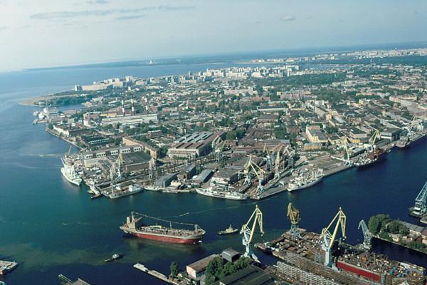 Самый большой ледокол мира построят в Петербурге