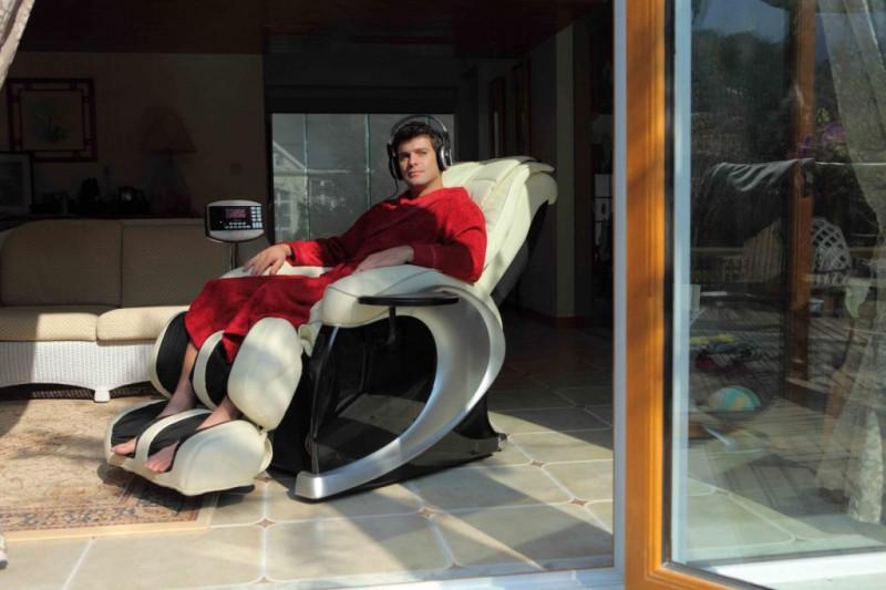 Кресла-массажеры – выгодное приобретение для всей семьи