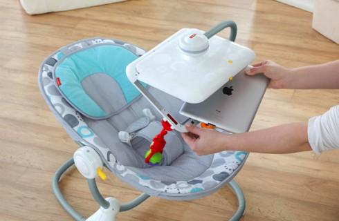 Создано детское кресло с держателем для IPad