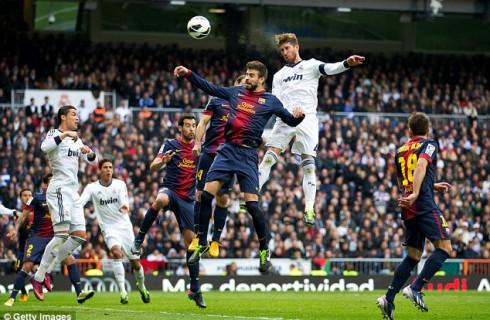 Испанским футбольным грандам выписали штраф