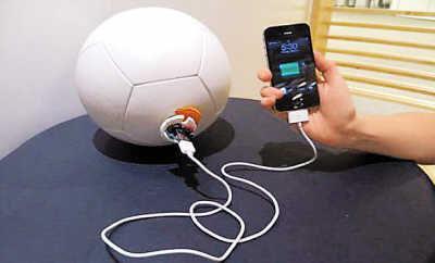 Телефонная зарядка для любителей футбола