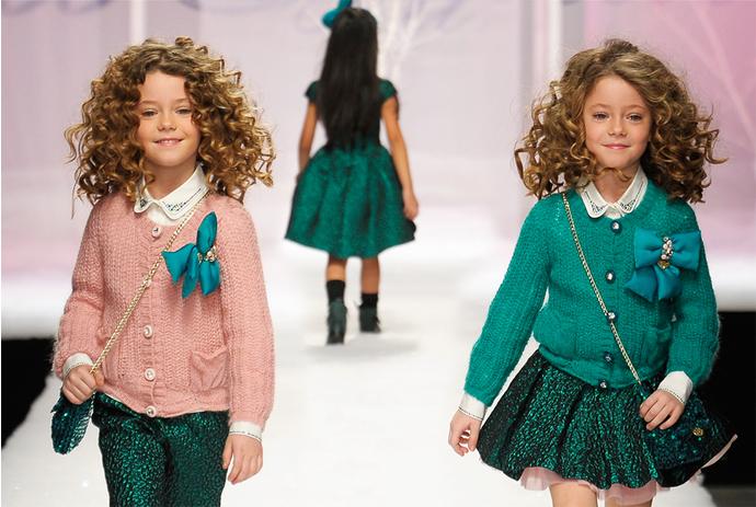 Детская мода: натуральные ткани, спокойные цвета и яркие принты