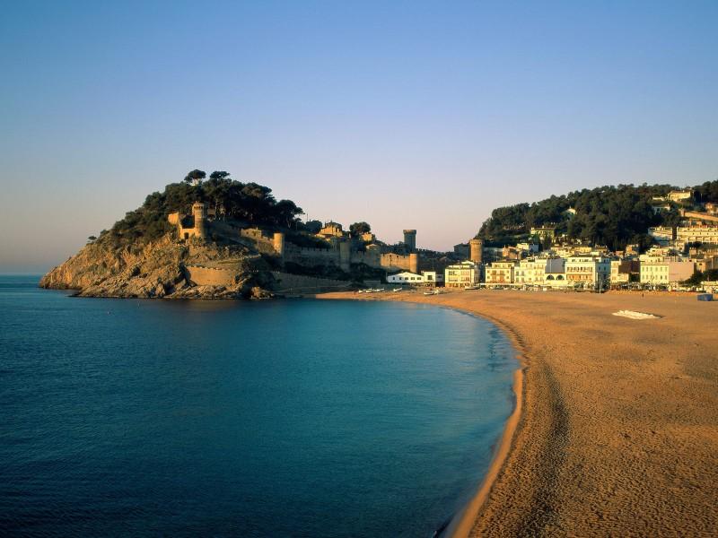 Несколько причин, почему стоит поехать в Барселону
