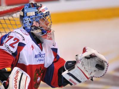Бобровский будет защищать ворота России