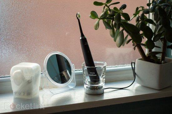 Нужна ли зубам звуковая чистка?