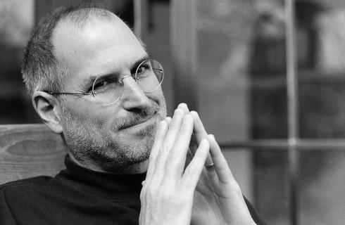 Стив Джобс отправляет письма