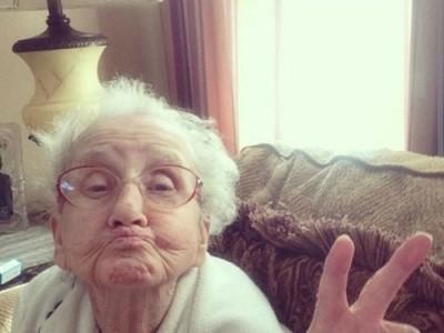 Никнейм бабушки в Instagram: grandmabetty33