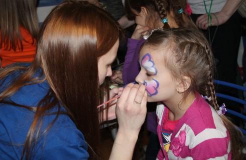 Яркий Фестиваль матрешки завершился в Череповце