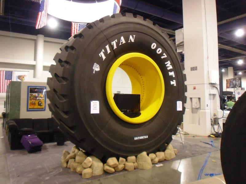 Низкопрофильные шины Titan для спецтехники