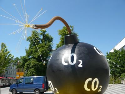 Количество углекислого газа растет