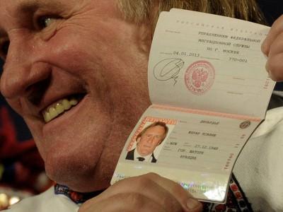 Получение гражданства: Жерар Депарде с российским паспортом