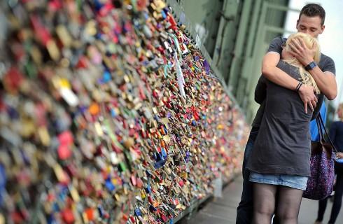 В Париже намерены запретить свадебные ритуалы