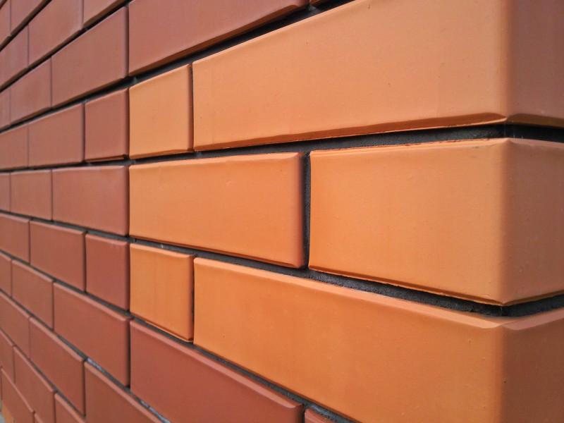 Кирпич является самым популярным и востребованным материалом