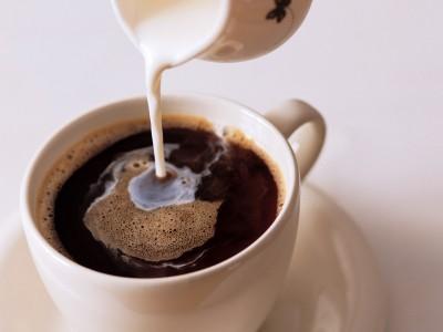 Сложные фракталы в кофе со сливками
