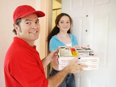 Нужна ли людям доставка еды на дом или в офис