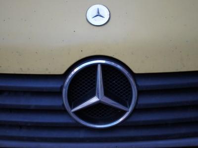 Подушки безопасности могут устраеть в первых моделях Mercedes