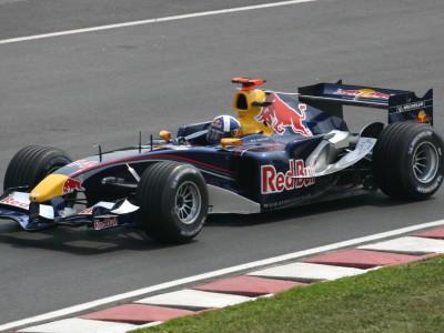 Лидерство команды Mercedes