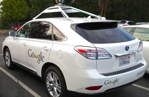 Google Car не скоро поедет самостоятельно