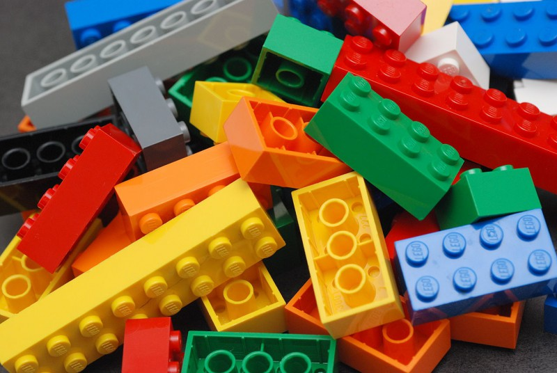 LEGO не желает забывать о прошлом