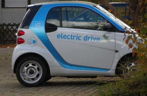 BMW ведет переговоры с Tesla