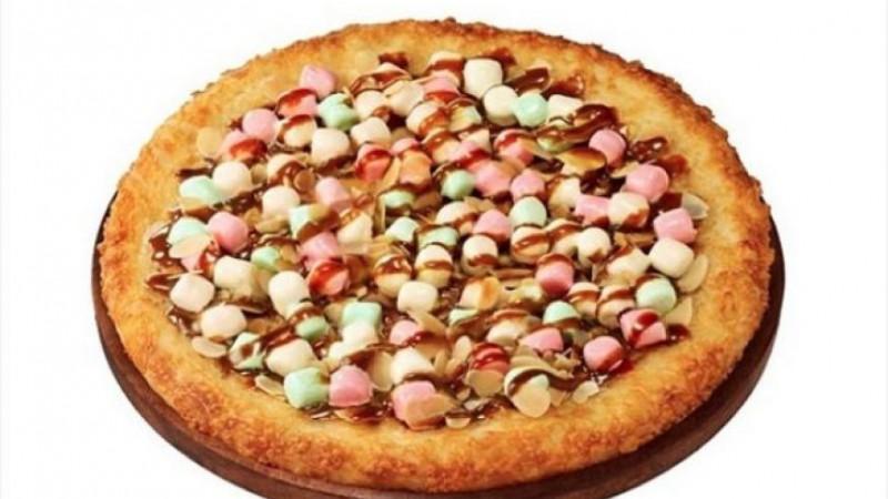 Угощайтесь – сладкая пицца