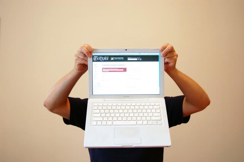 Испания снимает блокировку сайтов