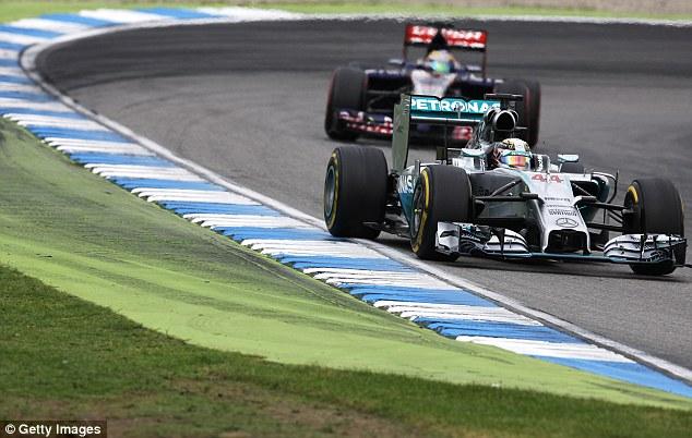 Льюис Хэмилтон собрался заключить новую сделку с Mercedes