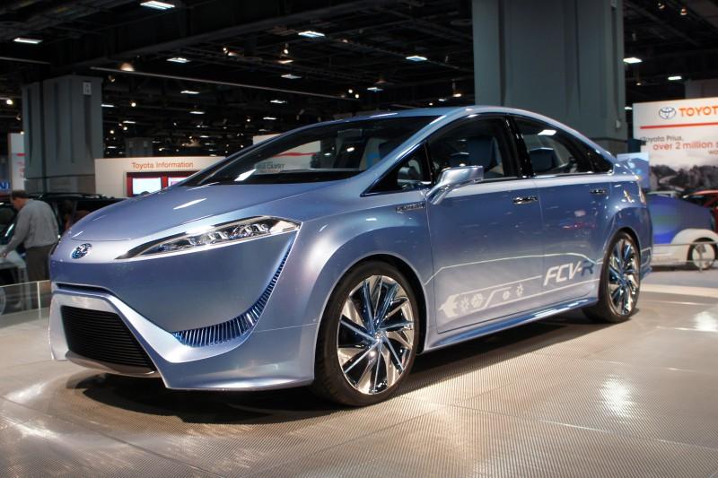 Toyota и Volkswagen — кто победит в битве за автомобиль будущего?