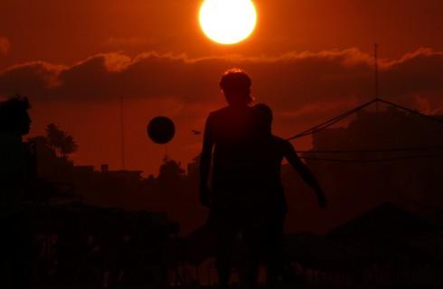 Зачем мальчишкам нужен футбол?