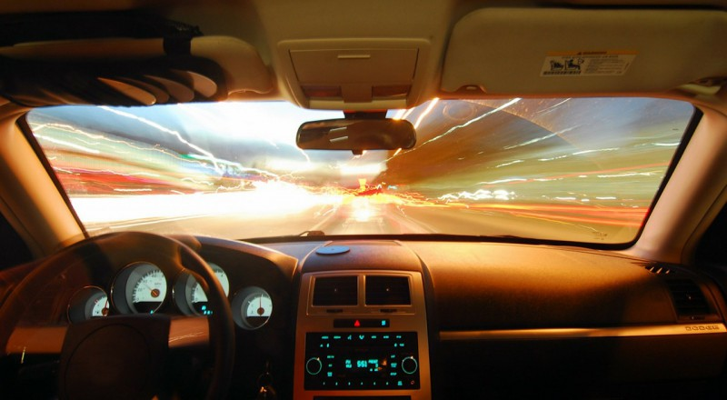 Лобовое стекло авто станет монитором для игр