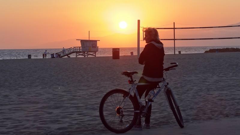 Правильная сторона подхода к велосипеду