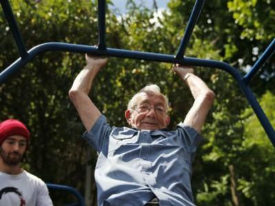 Занятия паркуром для пенсионеров